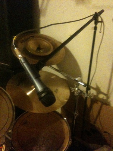 Cymbal stand mic mount