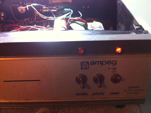 ampeg v4-b indicator