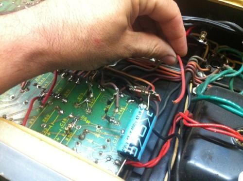 Ampeg V-4 loose wire